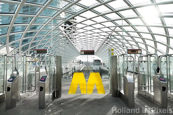 Nederland - Den Haag.  2018.  HSE station. In 2016 is bovenop Den Haag Centraal een nieuw station in gebruik genomen. Vanaf hier kunnen reizigers met de RandstadRail naar Rotterdam.  Foto Berlinda van Dam / Hollandse Hoogte