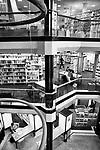 Gen&egrave;ve, le 21.11.2017<br /> Image d'illustration de la  biblioth&egrave;que municipale de la Cit&eacute; en rapport avec un projet du Conseil d'&eacute;tat concernant de nouvelles prestations.<br /> Le Courrier / &copy; C&eacute;dric Vincensini