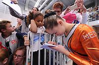 TURNEN: HOOFDDORP: Sportcomplex Koning Willem-Alexander, 03-10-2015, Turninterland als voorbereiding op het WK turnen in Glasgow, het herenturnen een interland tussen Nederland - Belarus, het damesturnen een interland Nederland - Engeland, Eythora Thorsdottir, ©foto Martin de Jong