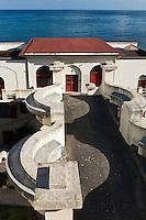 Europe/France/Aquitaine/64/Pyrénées-Atlantiques/Pays-Basque/Guéthary: Transformé en résidence, l'hôtel Guétharia des architectes Hiriart, Tribout et Beau, avec ses ferronneries signées Schwartz, ses verrières à motifs géométriques de Gruber construit  dans les années 1920 est un des joyaux de l'époque art déco,