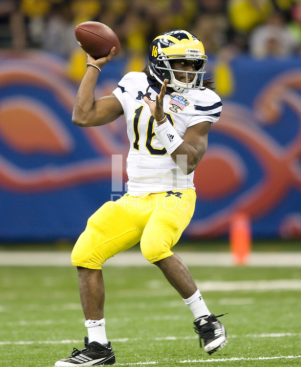Denard Robinson of Michigan in action during Sugar Bowl game against Virginia Tech at Mercedes-Benz SuperDome in New Orleans, Louisiana on January 3rd, 2012.  Michigan defeated Virginia Tech, 23-20 in first overtime.