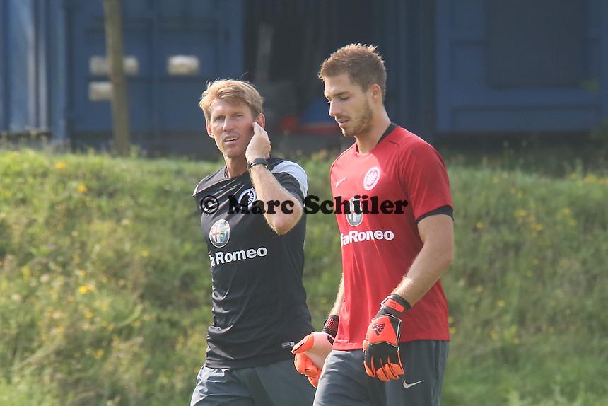Torwarttrainer Michael Kraft mit Kevin Trapp (Eintracht)