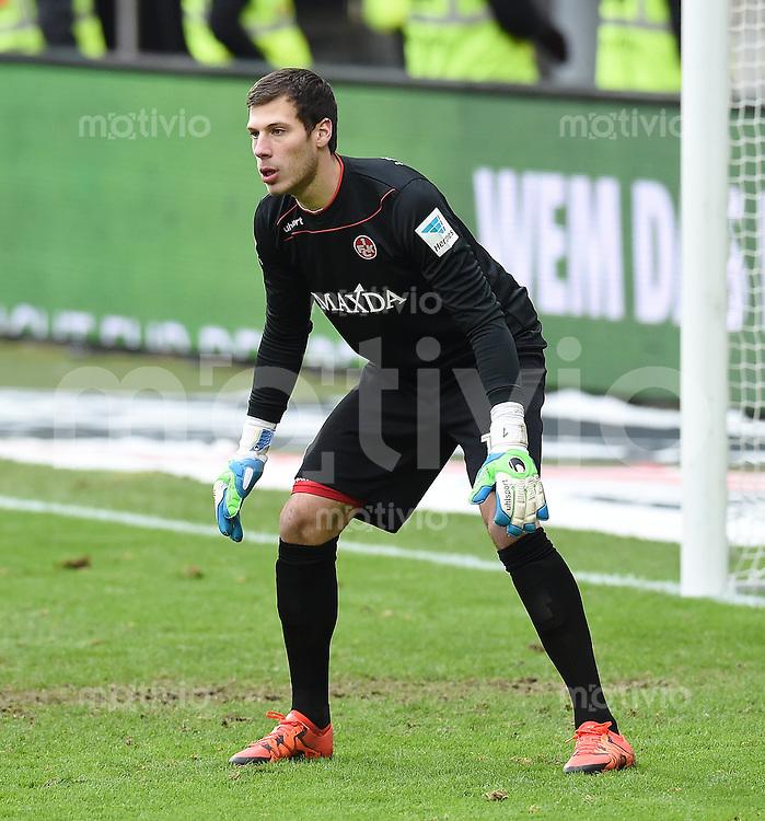 Fussball  2. Bundesliga  Saison 2015/2016  18. Spieltag 1. FC Kaiserslautern - MSV Duisburg       13.12.2015 Torwart Marius Mueller (1. FC Kaiserslautern)