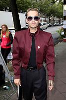 Bill Kaulitz von Tokio Hotel bei der Malaikaraiss Fashion Show auf der Mercedes-Benz Fashion Week Berlin Spring/Summer 2018 im Kaufhaus Jandorf. Berlin, 05.07.2017