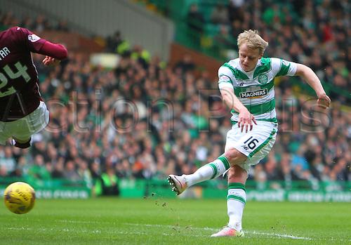 02.04.2016. Celtic Park, Glasgow, Scotland. Scottish Football Premiership Celtic versus Hearts. Gary Mackay-Steven draws Celtic level 1-1