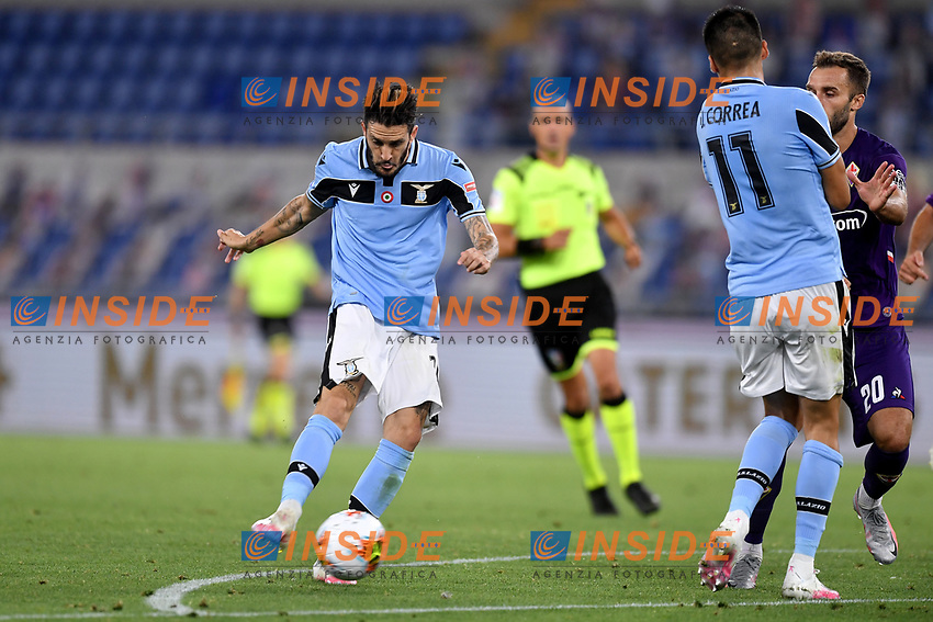 Luis Alberto of SS Lazio (R) scores the goal of 2-1 during the Serie A football match between SS Lazio and ACF Fiorentina at stadio Olimpico in Roma ( Italy ), June 27th, 2020. Play resumes behind closed doors following the outbreak of the coronavirus disease. Photo Antonietta Baldassarre / Insidefoto