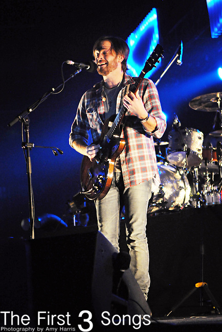 Caleb Followill of Kings of Leon performs at Value City Arena in Columbus, Ohio on September 23, 2009.