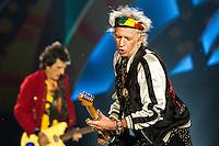PORTO ALEGRE, RS, 02.03.2016 - SHOW-RS - O guitarrista Keith Richards durante show da banda britânica The Rolling Stones no estádio do Beira Rio, na cidade de Porto Alegre na noite desta quarta-feira (02).   (Foto: Carlos Ferrari/Brazil Photo Press)