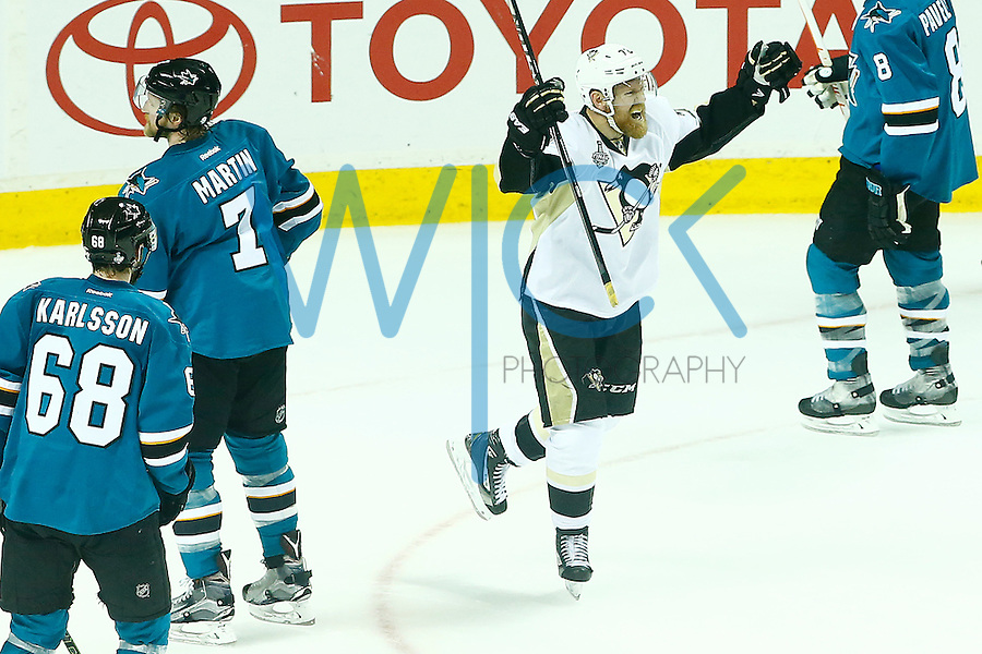 Patric Hornqvist #72 of the Pittsburgh Penguins celebrates his goal in the second period against the San Jose Sharks during game three of the Stanley Cup Final at the SAP Center in San Jose, California on June 4, 2016. (Photo by Jared Wickerham / DKPS)