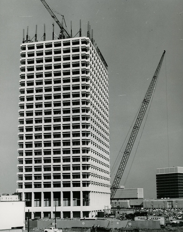1967 March 14..Redevelopment...Downtown South (R-9)..Virginia National Bank Building under construction..Sam McKay.NEG# .NRHA#..