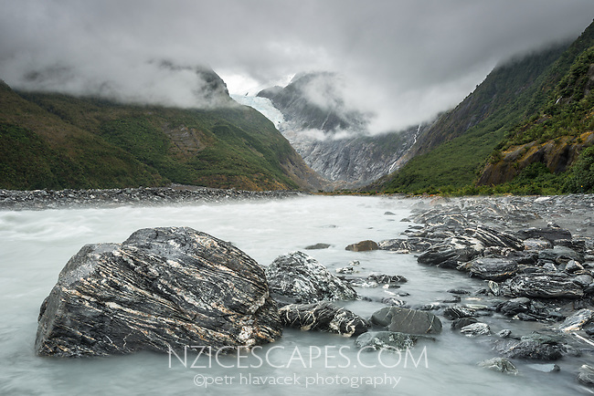 Waiho River with Franz Josef Glacier in background, Westland Tai Poutini National Park, West Coast, UNESCO World Heritage Area, New Zealand, NZ