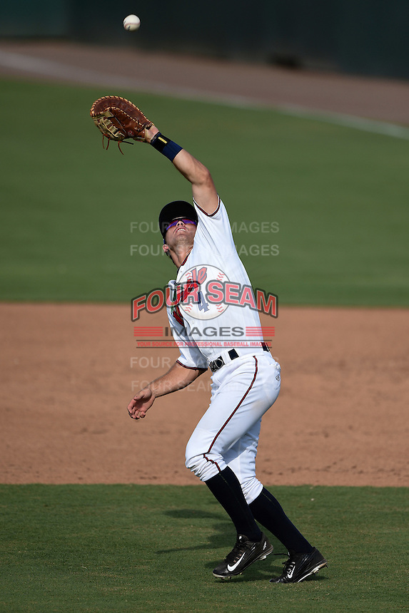 Fort Myers Miracle first baseman Logan Wade (4) catches a pop up during a game against the St. Lucie Mets on April 19, 2015 at Hammond Stadium in Fort Myers, Florida.  Fort Myers defeated St. Lucie 3-2 in eleven innings.  (Mike Janes/Four Seam Images)