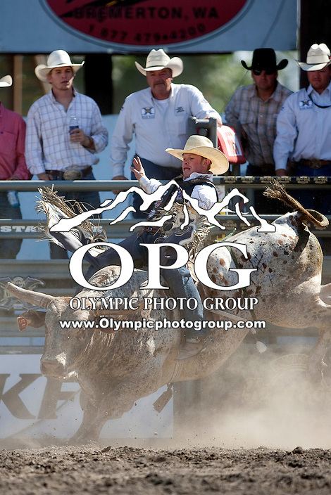 28 Aug 2011:   Steve Woosley scored a 81 on his re-ride during the first round of the Seminole Hard Rock Extreme Bulls competition at the Kitsap County Stampede in Bremerton, Washington.