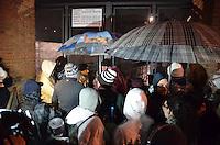 APARECIDA, SP, 24.07.2013 - PAPA NO BRASIL / APARECIDA -Peregrinos entra no Santuario Nacional de Aparecida onde o Papa Francisco,ira celebra a missa  (Foto: Adriano Lima / Brazil Photo PresS).