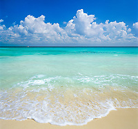 Mexiko, Yucatan: Traumstrand am Karibischen Meer | Mexico, Yucatan: View over Caribbean Waters