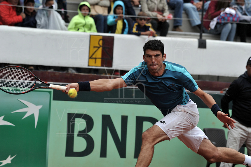 BOGOTA - COLOMBIA – 15 – 09 -2019: Franko Skugor de Croacia, devuelve la bola a Santiago Giraldo de Colombia, durante Partido de la Copa Davis entre los equipos de Colombia y Croacia, partidos por el ascenso al Grupo Mundial de Copa Davis por BNP Paribas, en la Plaza de Toros La Santamaria en la ciudad de Bogota. / Franko Skugor of Croatia, returns the ball to Santiago Giraldo of Colombia during a Davis Cup draw between the teams of Colombia and Croatia, match promoted to the World Group Davis Cup by BNP Paribas, at the La Santamaria Ring Bull in Bogota city. / Photo: VizzorImage / Luis Ramirez / Staff.