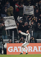 Goal Gonzalo Higuain Calcio, Serie A: Juventus vs Roma. Torino, Juventus Stadium,17 dicembre 2016. <br /> Juventus' Gonzalo Higuain celebrates after scoring the winning goal during the Italian Serie A football match between Juventus and Roma at Turin's Juventus Stadium, 17 December 2016.<br /> UPDATE IMAGES PRESS/Isabella Bonotto