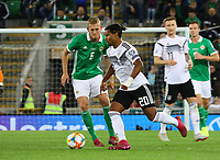 Serge Gnabry (Deutschland Germany) gegen George Saville (Nordirland, Northern Ireland) - 09.09.2019: Nordirland vs. Deutschland, Windsor Park Belfast, EM-Qualifikation DISCLAIMER: DFB regulations prohibit any use of photographs as image sequences and/or quasi-video.