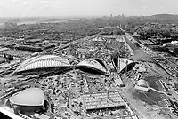 Sujet : Vues aeriennes du parc Olympique de MontrÈal<br /> Date : Septembre 1975<br /> Photographe : Jaques Thibault<br /> - Agence Quebec Presse