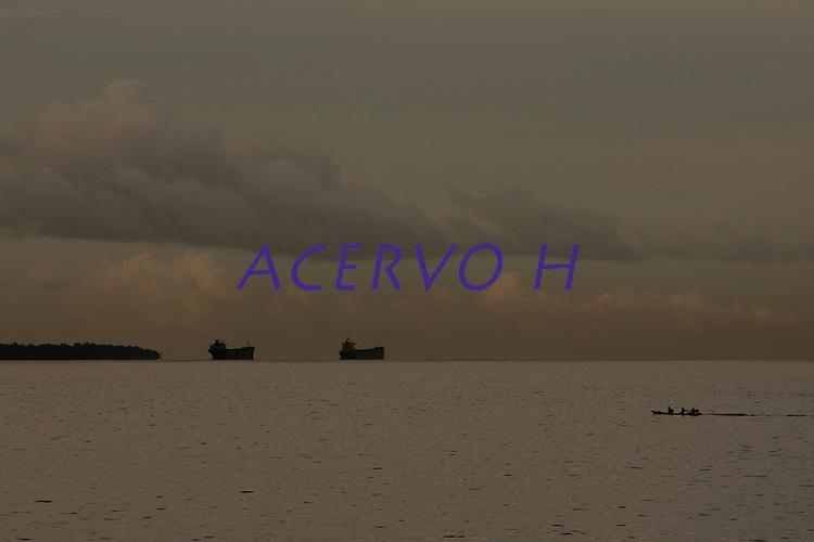 Travessia de Camar&aacute; em Salvaterra &agrave; Bel&eacute;m. O navio Marcos Matheus atravessa a baia do Maraj&oacute; chegando em Bel&eacute;m.<br /> Par&aacute;, Brasil.<br /> Foto Paulo Santos<br /> 23/04/2014