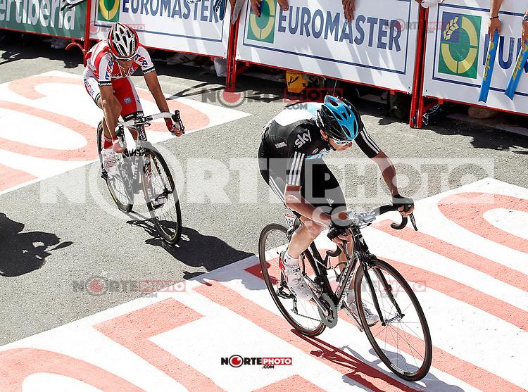 Christopher Froome (r) and Daniel Moreno during the stage of La Vuelta 2012 between Vilagarcia de Arousa and Mirador de Erazo (Dumbria).August 30,2012. (ALTERPHOTOS/Acero) /NortePhoto.com<br /> <br /> **CREDITO*OBLIGATORIO** <br /> *No*Venta*A*Terceros*<br /> *No*Sale*So*third*<br /> *** No*Se*Permite*Hacer*Archivo**<br /> *No*Sale*So*third*