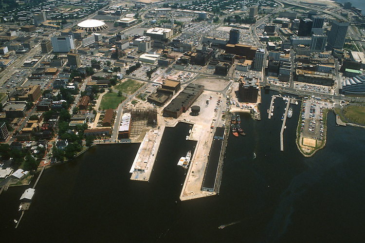 1984 June ..Redevelopment.Downtown West (A-1-6)..FREEMASON HARBOR.LOOKING EAST...NEG#.NRHA#..