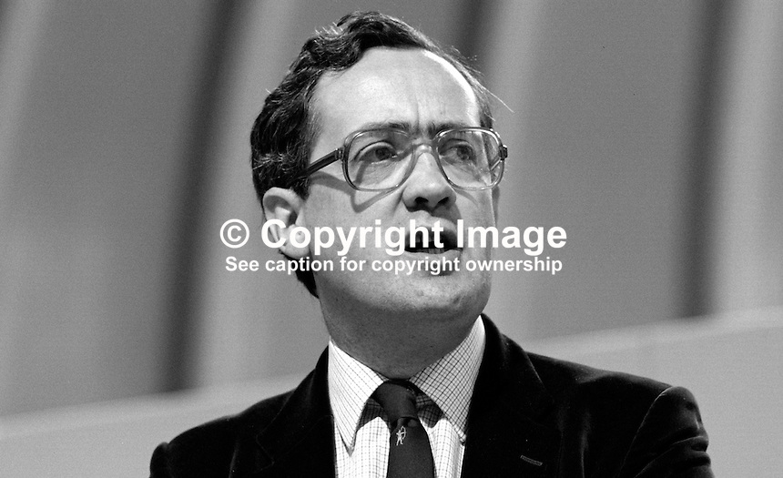 John Roper, prominent member, SDP, Social Democratic Party, UK, 19840109JR2..Copyright Image from Victor Patterson, 54 Dorchester Park, Belfast, UK, BT9 6RJ..Tel: +44 28 9066 1296.Mob: +44 7802 353836.Voicemail +44 20 8816 7153.Skype: victorpattersonbelfast.Email: victorpatterson@me.com.Email: victorpatterson@ireland.com (back-up)..IMPORTANT: If you wish to use this image or any other of my images please go to www.victorpatterson.com and click on the Terms & Conditions. Then contact me by email or phone with the reference number(s) of the image(s) concerned.