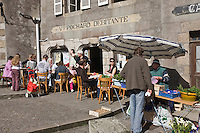 Europe/France/Bretagne/29/Finistère/Saint-Renan : Jour de marché et terrasse du café à l'ancienne; A la veuve  Pochard (Non destiné à un usage publicitaire - Not intended for an advertising use]