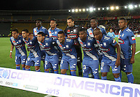 BOGOTA - COLOMBIA - 29-09-2015: Formacion del Emelec de Ecuador  frente al Independiente Santa Fe de Colombia  durante partido por los octavos de final  de  Copa Sudamericana jugado en el estadio Nemesio Camacho El Campin. / Team  of Emelec of Ecuador against Independiente Santa Fe de Colombia during the second round match of Copa Sudamericana final played at the Nemesio Camacho El Campin stadium.. Photo: VizzorImage / Felipe Caicedo / Staff.