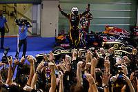 O piloto finlandês Kimi Raikkonen da Lotus, vence o GP de Fórmula 1 de Abu Dhabi, no circuito de Yas Marina, nos Emirados Árabes, neste domingo (04).  (FOTO: PIXATHLON / BRAZIL PHOTO PRESS).