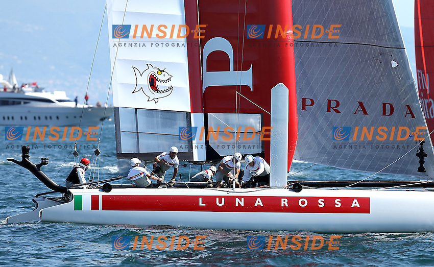 Napoli 18/04/2013 America's Cup World Series 2013 .Qualificazioni e Quarti di finale. Nella foto Luna Rossa (ITA).America's Cup Qualifier & Quarter Finals race. In the photo the team Luna Rossa (ITA).Photo Matteo Ciambelli / OneShot / Insidefoto