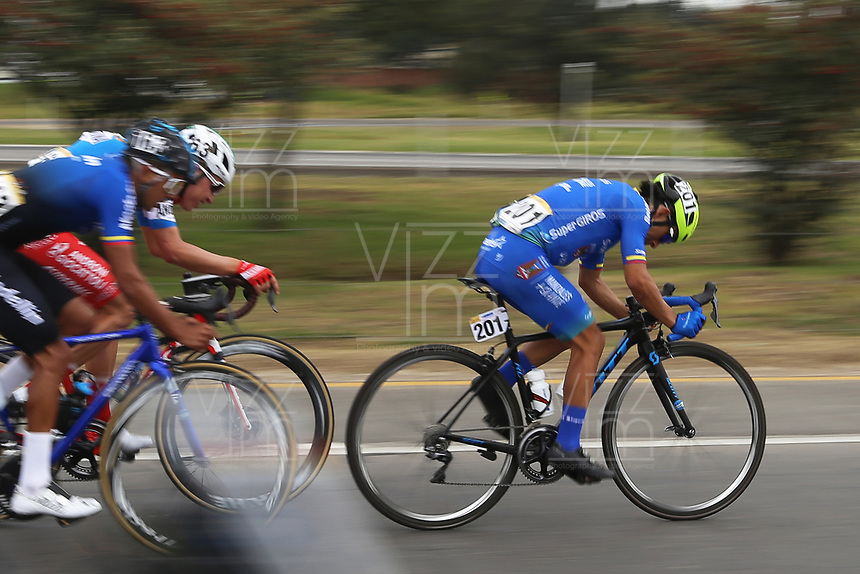 TUNJA - COLOMBIA, 15-02-2020: Walter Fernando Pedraza Morales (COL), SUPER GIROS, durante la quinta etapa del Tour Colombia 2.1 2020 con un recorrido de 180,5 km que se corrió entre Paipa, Boyacá, y Zipaquirá, Cundinamarca. / Walter Fernando Pedraza Morales (COL), SUPER GIROS, during the fIFTH stage of 180,5 km as part of Tour Colombia 2.1 2020 that ran between Paipa, Boyaca, y Zipaquirá, Cundinamarca.  Photo: VizzorImage / Darlin Bejarano / Cont