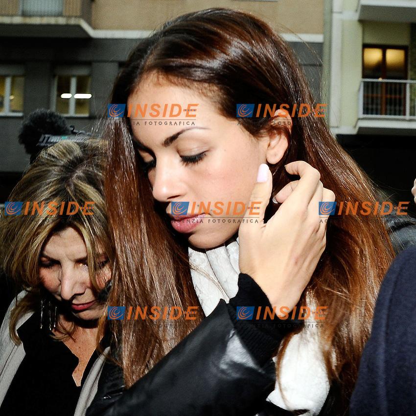 Milano 04/04/2013 - protesta di Ruby davanti al tribunale per non essere stata ascoltata al processo che porta il suo nome <br /> foto Andrea Ninni/Image/Insidefoto<br /> nella foto: Karima El Mahroug, in arte Ruby Rubacuori
