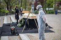 2020/04/26 Berlin   Politik   Protest gegen Corona-Einschränkungen