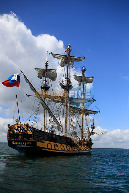 As the Tall ship enter the river boyne on there way up river to Drogheda for the Irish Maritime festival, Drogheda, Co Louth.<br /> Picture Newsfile   Fran Caffrey
