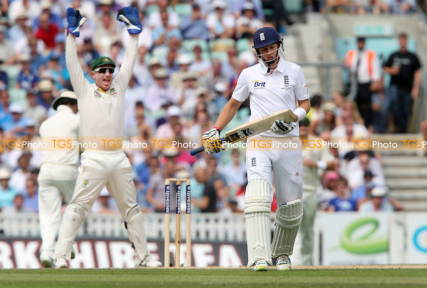 Joe Root of England lofts one up and is caught out by Shane Watson - England vs Australia - 3rd day of the 5th Investec Ashes Test match at The Kia Oval, London - 23/08/13 - MANDATORY CREDIT: Rob Newell/TGSPHOTO - Self billing applies where appropriate - 0845 094 6026 - contact@tgsphoto.co.uk - NO UNPAID USE