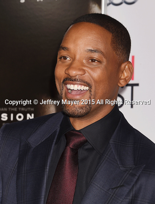 HOLLYWOOD, CA - NOVEMBER 10: Actor Will Smith attends AFI FEST 2015 presented by Audi Centerpiece Gala Premiere of Columbia Pictures' 'Concussion' at TCL Chinese Theatre on November 10, 2015 in Hollywood, California.
