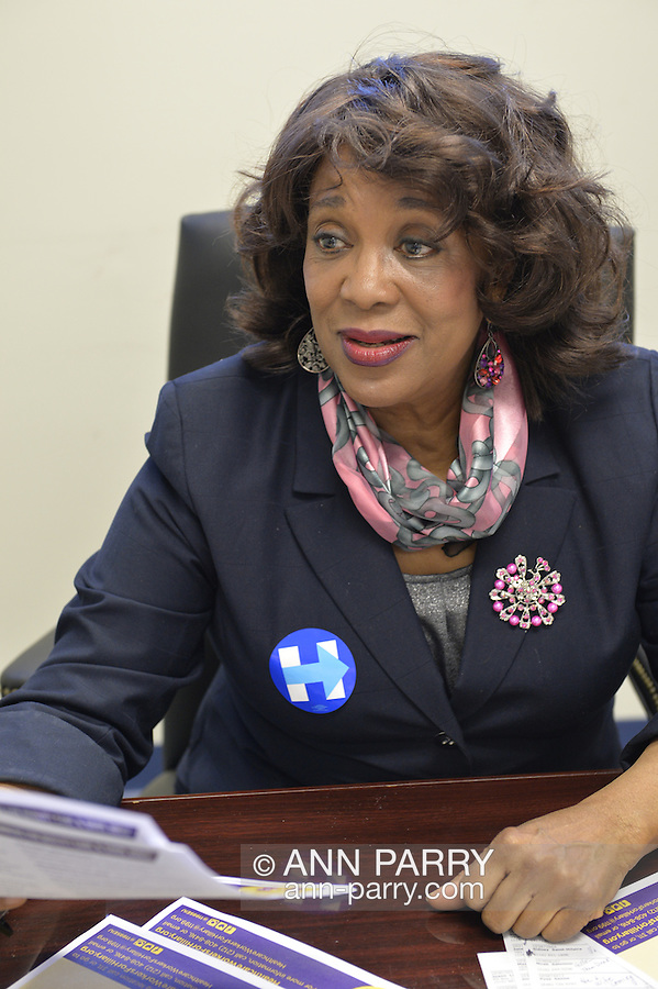 """Garden City, New York, USA. 17th April 2016. BERNICE SIMS, a campaign volunteer for Democratic presidential primary candidate Hillary Clinton, is wokring at the Canvass Kickoff at the Nassau County Democratic Office. Ms. Sims is a social worker, civil rights activist and author of the  2014 book """"Detour Before Midnight"""" - her personal account of the last hours she and her family were with the Mississipi Burning civil rights workers killed by the KKK in 1964."""