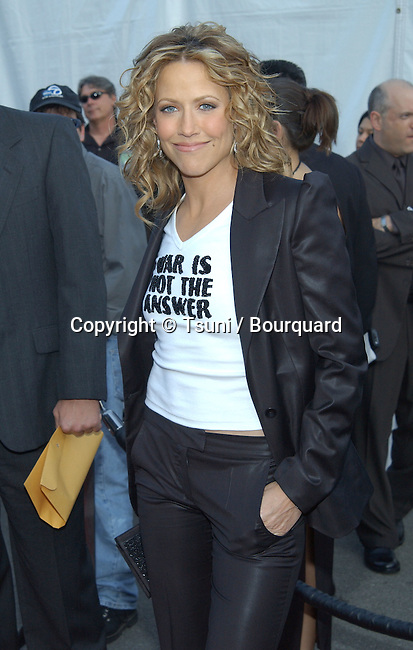 Sheryl Crow arrives at the 30th Annual AMAs held at the Shrine Auditorium in Los Angeles, CA, January 13, 2003.            -            CrowSheryl07.jpg