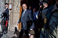 Roma 2 Ottobre 2013<br /> Il Presidente del Consiglio Enrico Letta, lascia il Senato dopo il voto di fiducia<br /> Italian Premier Enrico Letta leaves  the Upper House after  the confidence vote