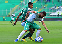 PALMASECA-COLOMBIA,09 -09-2018.Jhon Edison Mosquera (Izq.) del Deportivo Cali disputa el balón con Oscar Bernal (Der.) de Equidad durante partido por la fecha 9 de la Liga Águila II 2018 jugado en el estadio Deportivo Cali de la ciudad de Palmira./ Jhon Edison Mosquera (L) player of Deportivo Cali  fights for the ball with Oscar Bernal (R) of Equidad during the match for the date 9 of the Aguila League II 2018 played at Alfonso Lopez  stadium in Palmaseca city. Photo: VizzorImage/ Nelson Rios / Contribuidor