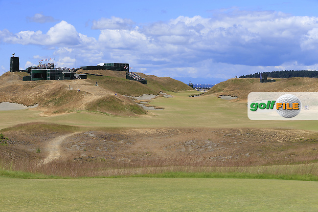 The 10th hole during Friday's Round 2 of the 2015 U.S. Open 115th National Championship held at Chambers Bay, Seattle, Washington, USA. 6/19/2015.<br /> Picture: Golffile | Eoin Clarke<br /> <br /> <br /> <br /> <br /> All photo usage must carry mandatory copyright credit (&copy; Golffile | Eoin Clarke)