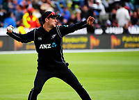 Matt Henry fields during the One Day International cricket match between the NZ Black Caps and Pakistan at the Basin Reserve in Wellington, New Zealand on Saturday, 6 January 2018. Photo: Dave Lintott / lintottphoto.co.nz