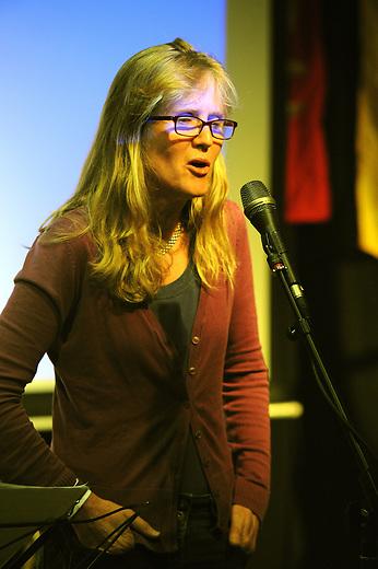 El Sueno Existe Festival<br /> Machynlleth<br /> Wales<br /> Acoustic Showcase Concert<br /> Carol Burtt, singer and musician.