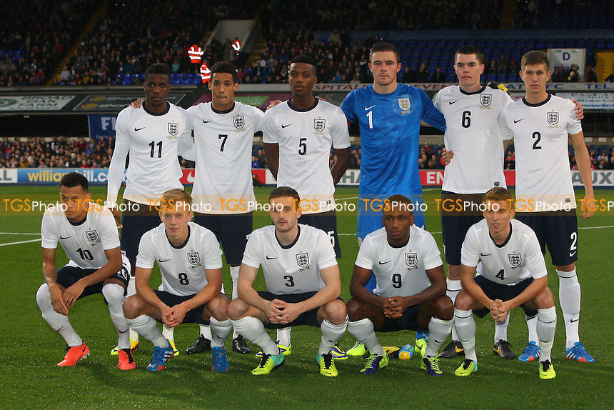 England players pose for a team photo ahead of kick-off - England Under-21 vs Lithuania Under-21 - 2015 UEFA Under-21 Championship Qualifying Group One Football at Ipswich Town FC, Portman Road, Ipswich, Suffolk - 15/10/13 - MANDATORY CREDIT: Gavin Ellis/TGSPHOTO - Self billing applies where appropriate - 0845 094 6026 - contact@tgsphoto.co.uk - NO UNPAID USE