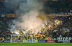 Solna 2015-10-04 Fotboll Allsvenskan AIK - Malm&ouml; FF :  <br /> AIK:s supportrar eldar med bengaler inf&ouml;r andra halvlek under matchen mellan AIK och Malm&ouml; FF <br /> (Foto: Kenta J&ouml;nsson) Nyckelord:  AIK Gnaget Friends Arena Allsvenskan Malm&ouml; MFF supporter fans publik supporters tif bengaler bengal