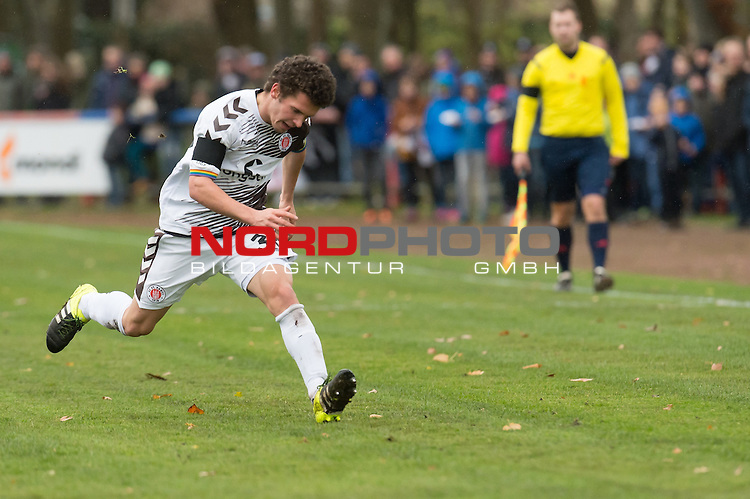 14.11.2015, Jahn Stadion, Dinklage, GER, FSP, VFL Osnabrueck vs 1. FC ST. Pauli, im Bild<br /> <br /> <br /> Okan Kurt (FC St. Pauli #36)<br /> Einzelaktion, Ganzk&ouml;rper / Ganzkoerper,<br /> sprint Gestik, Mimik,<br /> <br /> Foto &copy; nordphoto / Kokenge