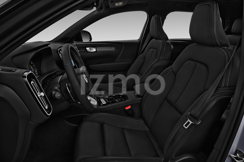 Front seat view of a 2019 Volvo XC40 R-Design 5 Door SUV front seat car photos