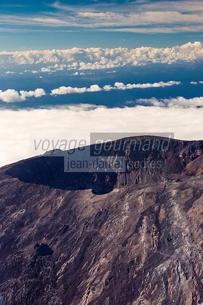rance, île de la Réunion, Parc national de La Réunion, classé Patrimoine Mondial de l'UNESCO, volcan du Piton de la Fournaise, le cratère Dolomieu (vue aérienne) // France, Reunion island (French overseas department), Parc National de La Reunion (Reunion National Park), listed as World Heritage by UNESCO, Piton de la Fournaise volcano, Dolomieu crater (aerial view)