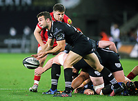 Scott Otten of the Ospreys passes the ball during the Guinness PRO14 Round 6 match between Ospreys and Scarlets at The Liberty Stadium , Swansea, Wales, UK. Saturday 07 October 2017